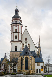 Die Thomaskirche in Leipzig, West-Ansicht © Wikimedia Commons, Tuxyso, CC-BY-SA-3.0